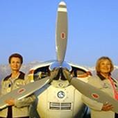 Chili - Deux aviatrices seniors récompensées pour leur traversée de l'Atlantique en avion