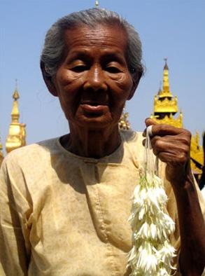 Myanmar : des seniors en difficulté après le passage du cyclone Nargis