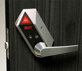 Salle de bains : Help Lock, une poignée de porte intelligente contre les chutes…