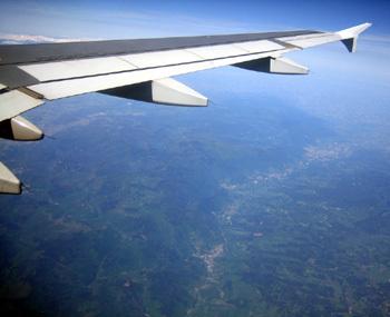Seniors en avion : quelques précautions à prendre…