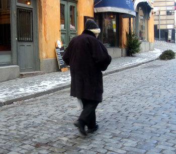 La vie de nos aînés suspendue au climat ? Chronique de Nancy Cattan