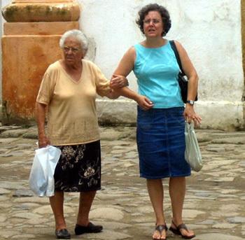 Un service civique pour les seniors ? Chronique de Serge Guérin
