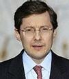 M. Philippe Bas ministre délégué à la Sécurité sociale, aux Personnes âgées, aux Personnes handicapées et à la Famille