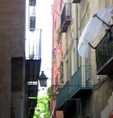 En Catalogne, plus de 8.000 seniors vivent dans des appartements en ruine