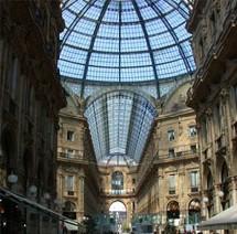 Une vingtaine de couples senior/étudiant partagent des appartements à Milan