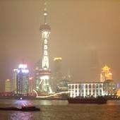 A Shanghai, des étudiants étrangers viennent en aide aux personnes âgées chinoises