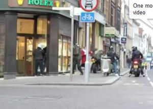 Northampton : une grand-mère de 70 ans fait échouer un braquage