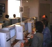 Defiteck, une association de l'Essonne donne des cours d'informatique aux seniors