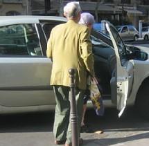 Seniors sur la route : échange voiture contre co-voiturage