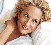 Revlon lance Vital Radiance : des cosmétiques destinés aux femmes de plus de 50 ans