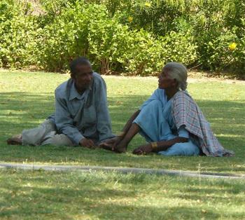 Galanterie : les seniors célibataires sont pour !