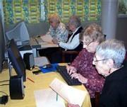 Un cyber espace dans une maison de retraite de Villeurbanne