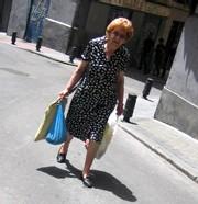 Plan Canicule 2006 : une priorité, lutter contre l'isolement des personnes âgées