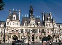 Paris déclenche le niveau 2 du Plan canicule et active sa plate forme d'appel pour personnes âgées