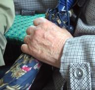 Les patients Alzheimer ressentent la douleur aussi fortement que les personnes en bonne santé