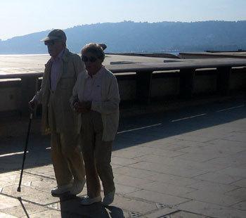 Piétons seniors : en Suisse, la moitié des tués sont des personnes de 65 ans et plus
