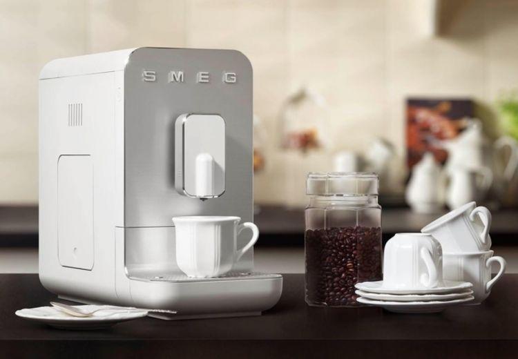 SMEG : avec cette machine à café, vous allez laisser tomber les capsules