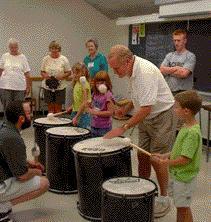 Etats-Unis - Les campus réunissent grands-parents et petits-enfants.