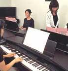 Japon – Les fabricants d'instruments proposent aussi des leçons de musique adaptées aux boomers