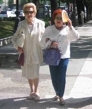 Deux vieilles dames en Crète copyright Senioractu.com
