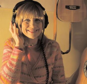 Âge Tendre et Tête de Bois : la chanteuse Stone rejoint la tournée