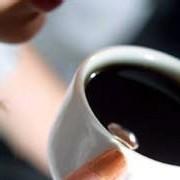 La fréquence du syndrome métabolique diminue quand la consommation de café augmente