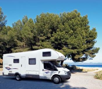 le camping car plus qu un v hicule de loisirs un art de vivre pour de nombreux seniors. Black Bedroom Furniture Sets. Home Design Ideas