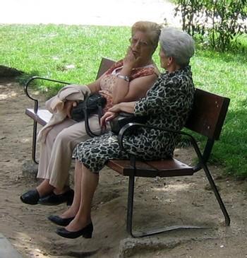 Les seniors « rapportent » des milliards à la société, selon une enquête de la HSBC