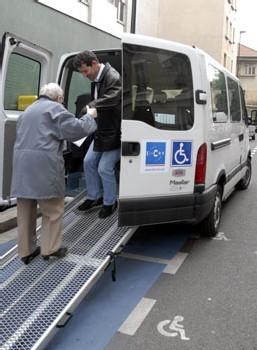 La ville de Clichy-la-Garenne se dote d'une navette « spéciale » personnes âgées