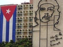 A Cuba, les jeunes apprennent aux seniors à utiliser l'informatique