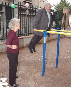 Un parc de Berlin propose une aire de jeux pour les seniors