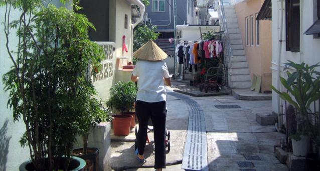Hong Kong : recherche place en maison de retraite... en Chine continentale !