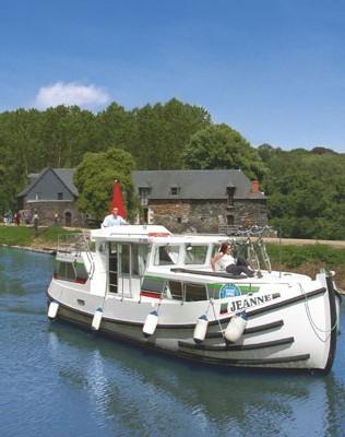 Découverte de l'Anjou grâce au tourisme fluvial sans permis