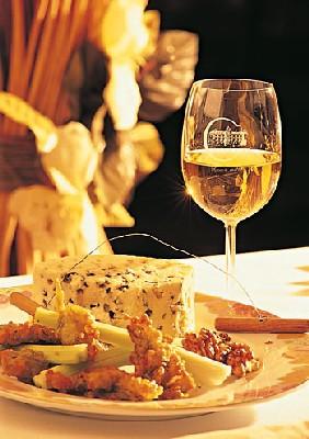 Un séjour gastronomique à déguster avec les Premières Côtes de Bordeaux et Cadillac