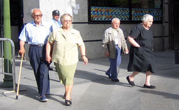 Aidant familial : trois-quarts des seniors doivent aider un parent âgé