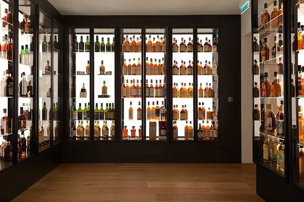 Une splendide collection de whisky du monde