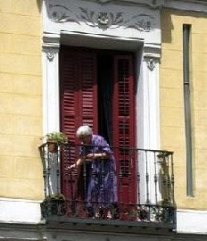 Pour la personne âgée, sa résidence est un lieu essentiel, chronique par Serge Guérin