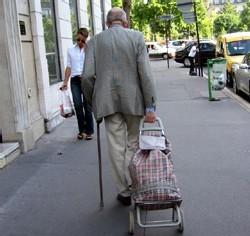 Les hommes âgés : sujets à risque en matière de malnutrition… par manque de connaissances et pratiques culinaires