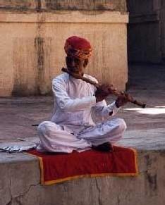 Une fondation offre une pension aux musiciens âgés du Rajasthan afin d'assurer la pérennité de la musique traditionnelle