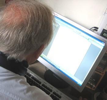 Presque la moitié des seniors se mettent à internet