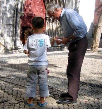 Une Europe vieillissante : une société qui s'étiole ? s'interroge la Commission européenne