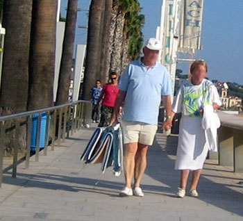 Baisse des décès et des AVC chez les aînés grâce à une réduction de la tension artérielle