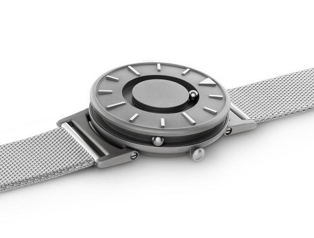 Eone Bradley : quand une montre pour malvoyants devient une montre design