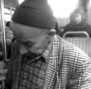 Mavis : une association qui permet aux vieux migrants de revoir leur pays