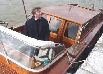 River Limousine : découvrir Paris sur la Seine à bord d'un « Water Limousine vénitien »