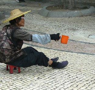 Les seniors très durement touchés par le tremblement de terre en Chine