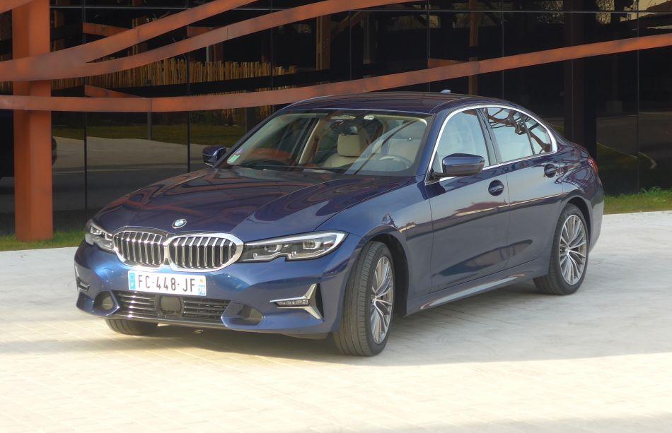 BMW Série 3 330 i