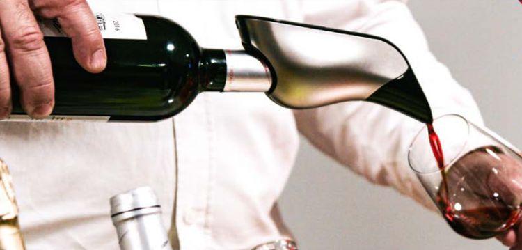 Aveine : un aérateur de vin pour ne plus gâcher ses bonnes bouteilles