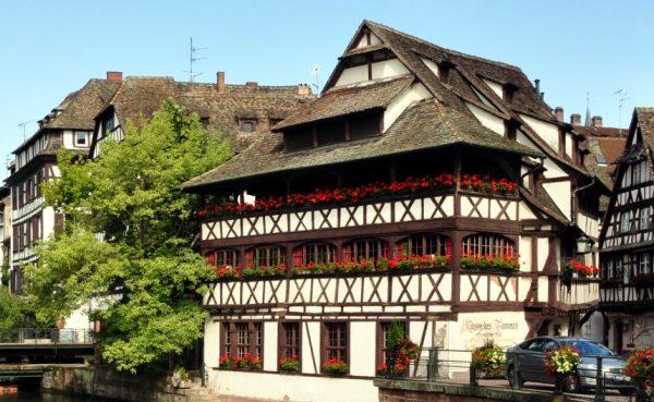 Strasbourg : un septuagénaire abat son infirmière