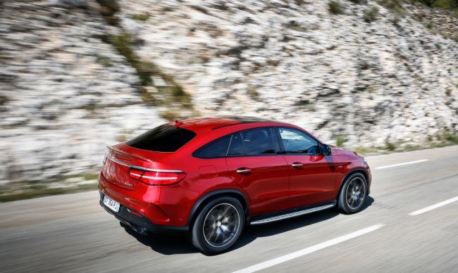 Le GLE Coupé est une réponse au X6 de BMW.